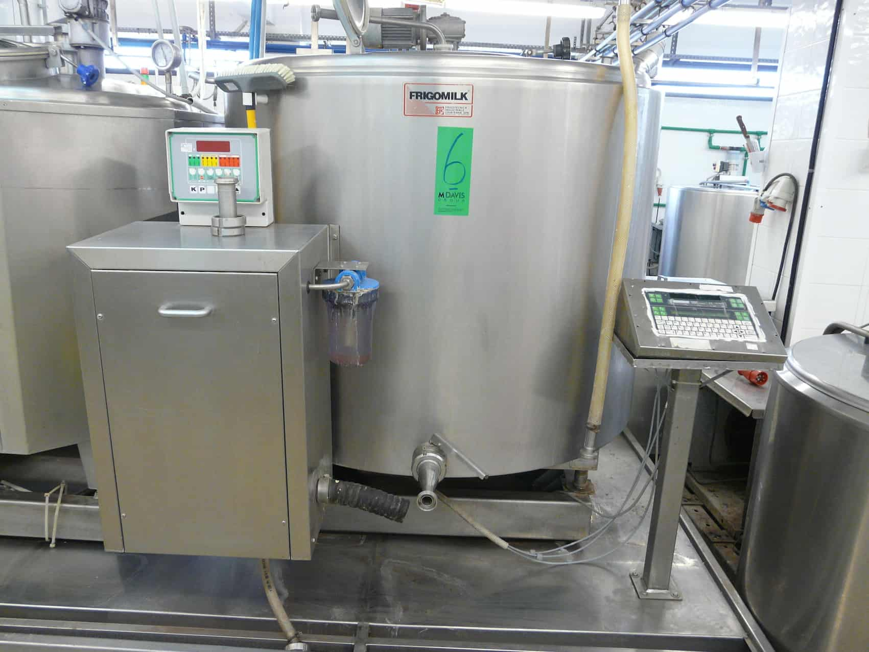 Mixing/Cooling Tank for Ice Cream 1000L with Agitator, Type FRIGOMILK, Self Contained Freon Condenser, Self Contained CIP System, Refrigerant Liquid R22, Contains Scales with Analogue Display that can be connected to PC, Y.O.M: 2003