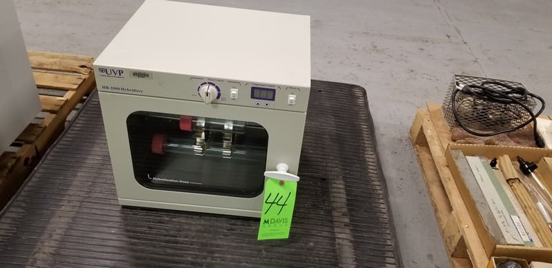 UVP Laboratory Product Hybridizeration Oven, Model HB-1000 Hybridizier, S/N 091906-001