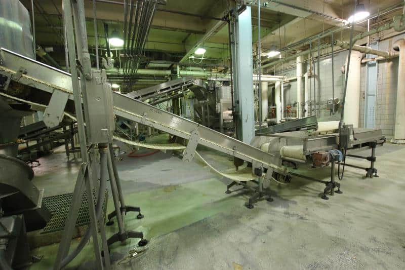 Cleated Belt incline Conveyor, 10' L x 3 ' W
