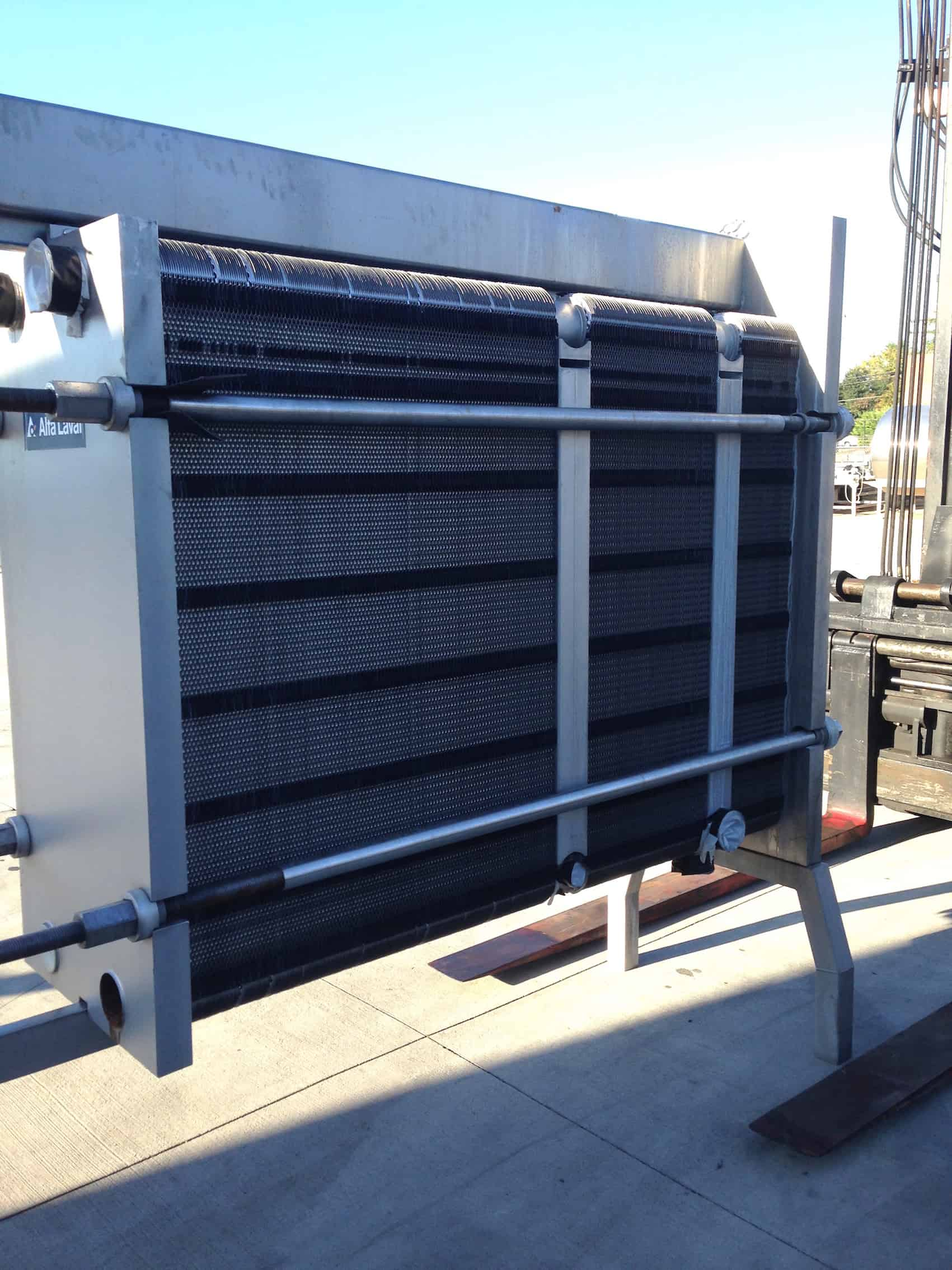 Alfa Laval Clip 10 Plate Heat Exchanger Model: Clip 10 RM Serial: 30105-51865, Stainless Steel Plates, Can be used to heat/chill product, Max Working Pressure – 145PSI, Max working temperature – 230ºF, Good Condition, Last used in Food Plant(Located in North Carolina) ***FBEV***