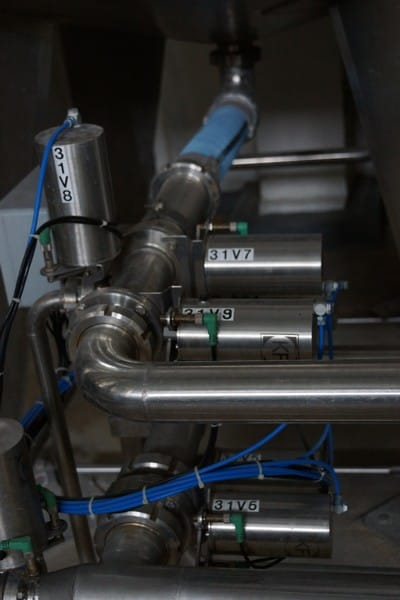 Liquid mixing tanks 5T with CIP, Mounted on Load Cells, Y.O.M 1994,GERMANY