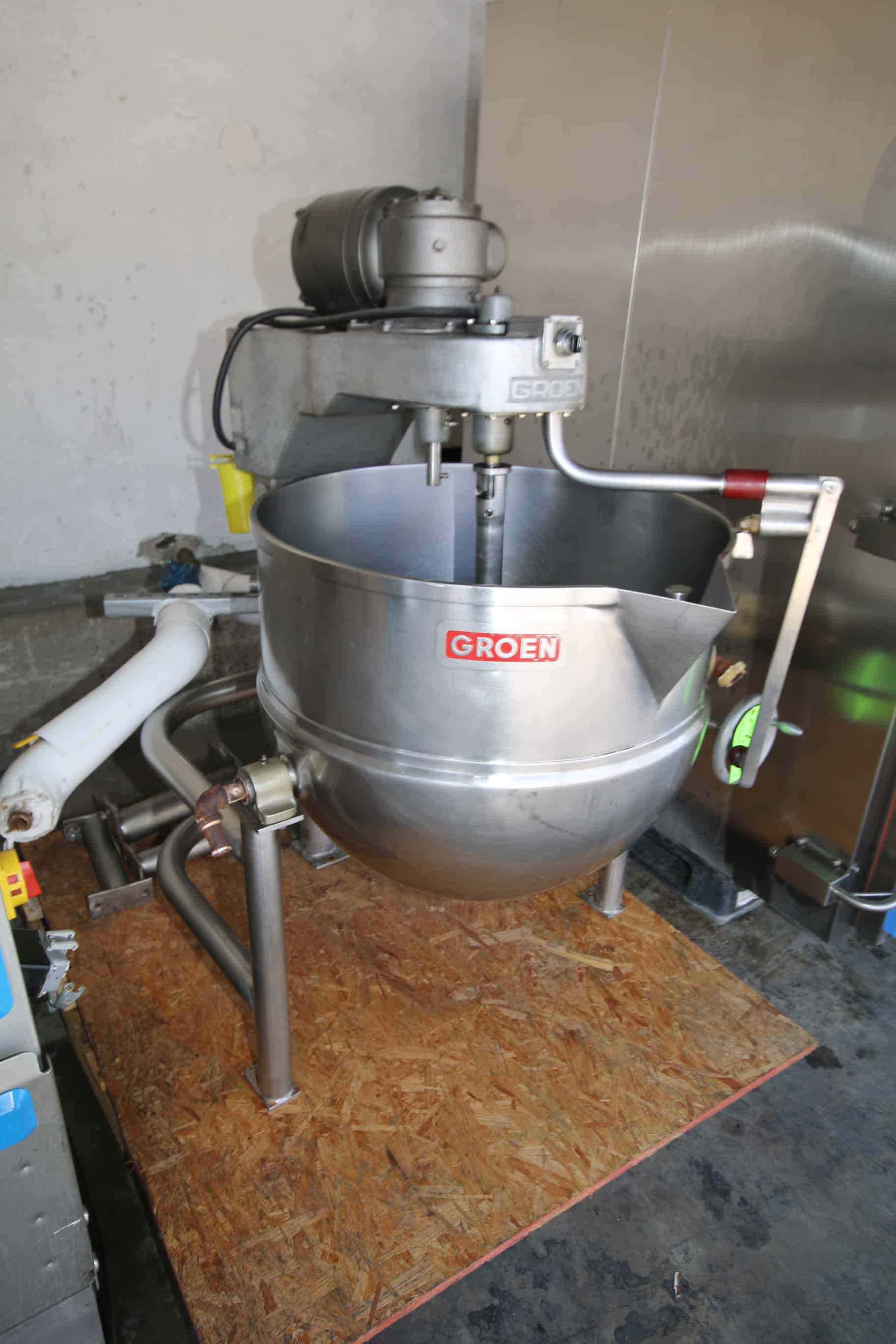 Groen 60 Gal. S/S Kettle, M/N DTA-3-60, Max. W.P. 45 PSI @ 300 F, Nat'L BD:  40091, with Tilt and 2/1 hp Top Mounted