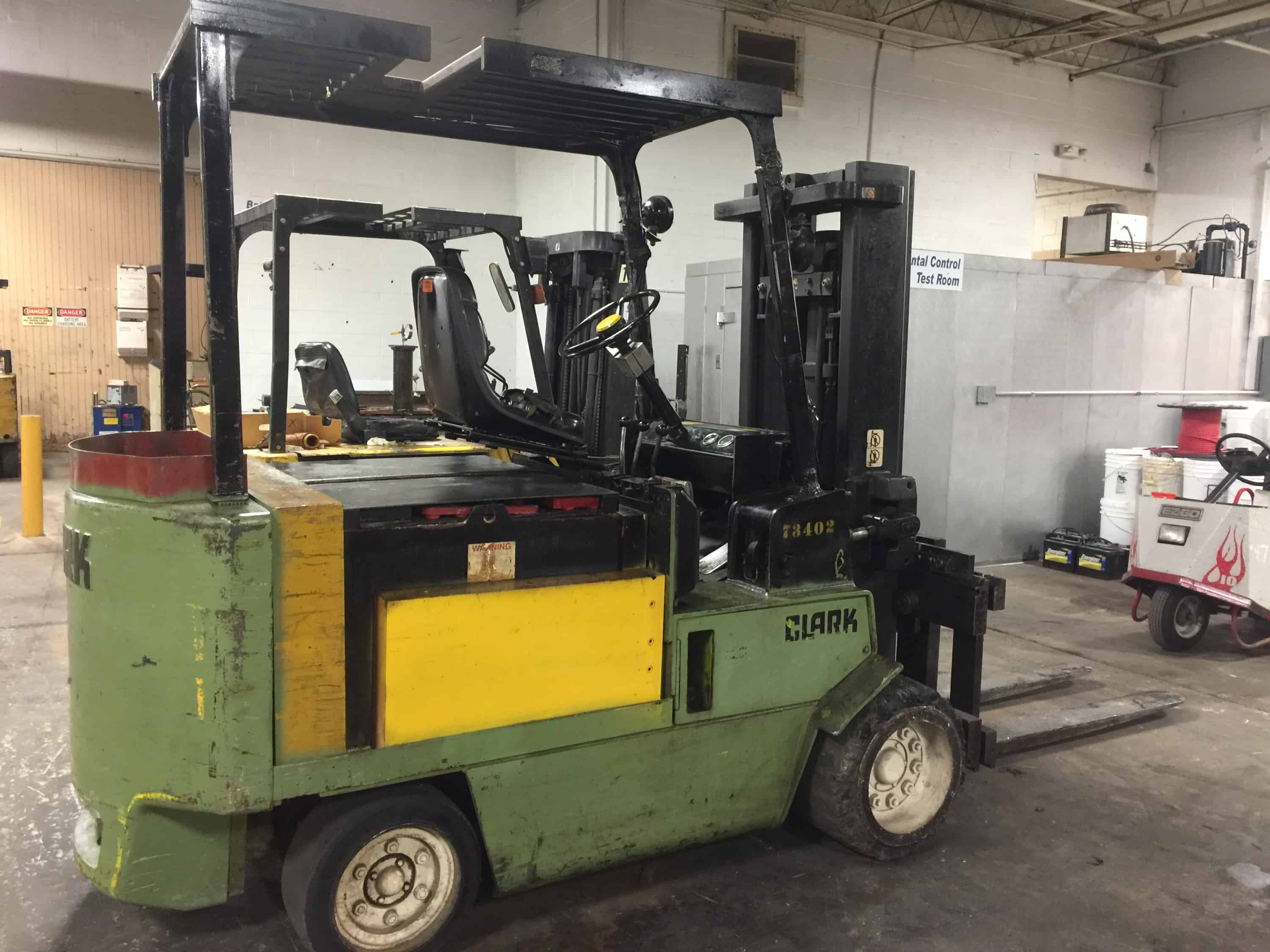 Clark Heavy duty 8000 pound Sit Down Forklift Truck battery operated. Battery week (Rigging and loading fees included in the selling price)(Located in Iowa)***EUSA***