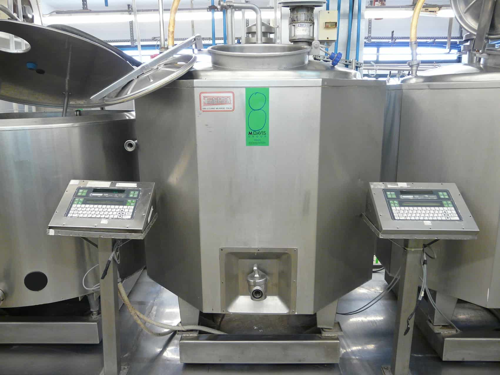 Mixing/Cooling Tank for Ice Cream 550L with Agitator, Type LAISA, Can be Connected to Chiller, Can be Connected to CIP System, Contains Scales with  Display, Y.O.M.: 1993