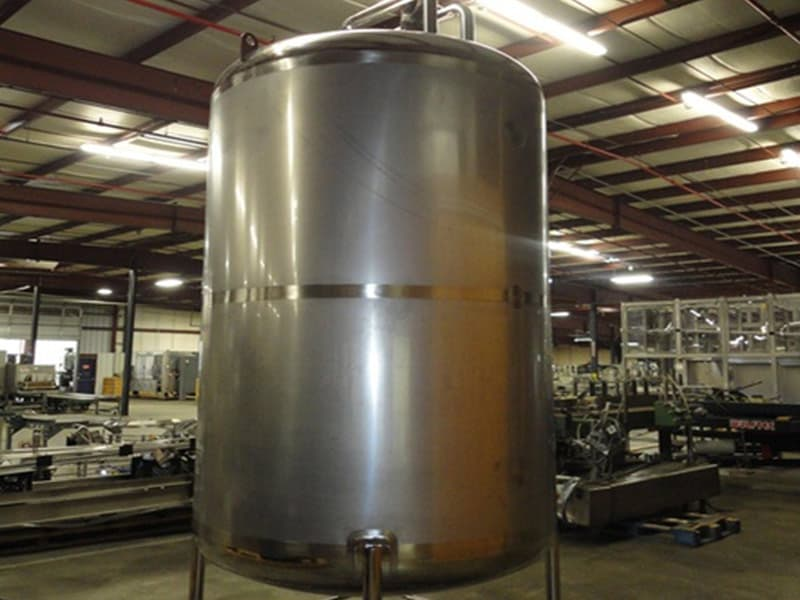 2000 Gal Stainless Steel Mixing Tank, Top Mounted Drive, Dual Bladded Agitation Model: 2000 Gal
