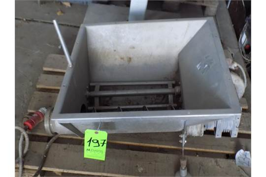 S/S Hopper with Single Screw Auger and Paddle Mixer, ABB Drive Motor and Connection Type DIN