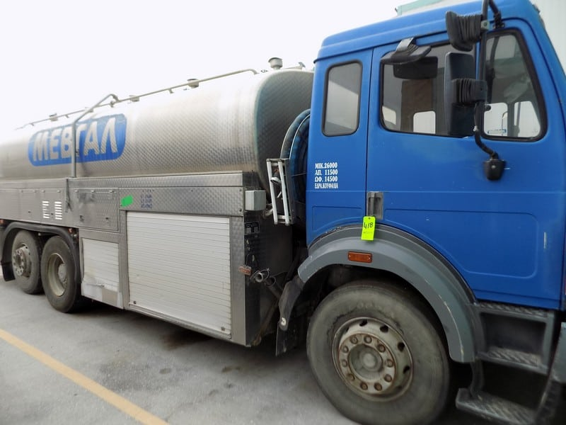 Mercedes 16000 L/4226 Gal. S/S Milk Transporting Tanker with Flow Meter, Tank, Pump and CIP Unit (Jansky - Volvo 40 Fabri. No. 7936) (Unit 2531)