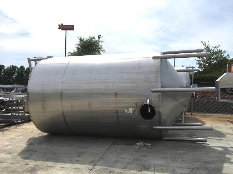 Cherry Burrell 8,900 Gallon Vertical Mixing Tank