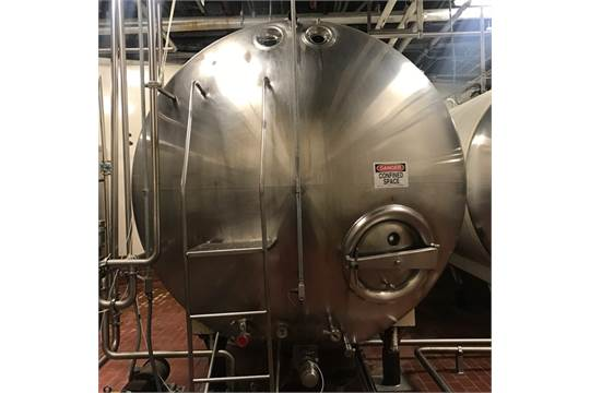 Walker 6,000 Gal. Horizontal Jacketed S/S Tank with S/S Front, Top Mounted Vertical Agitator, CIP Sprayball, Vent and Sightglass (Located in Richmond, VA) (NOTE: Price includes Loading - Contact Auctioneer for Details)