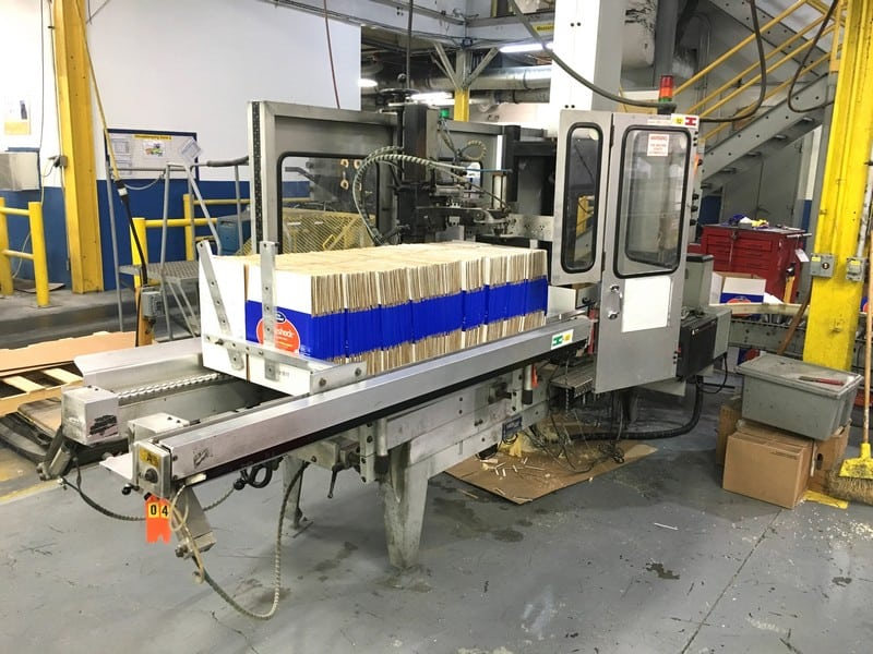 Wexxar Automatic Glue Case Erector Model: WFH Serial: 1355, Runs around 15 cases per minute, Removed from production June 2017, Includes ITW Dynatec Glue System (Located in North Carolina) ***FBEV***