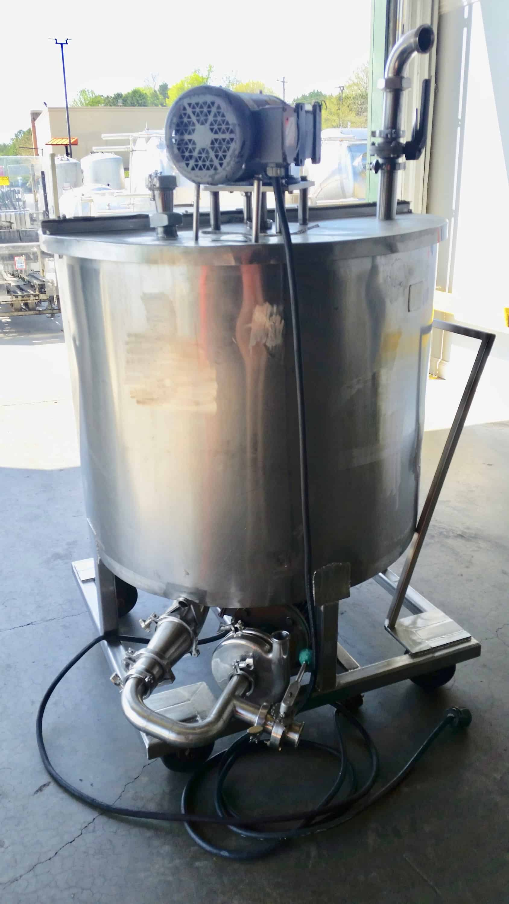 200 Gallon Batch Blending Tank, Stainless Steel, Single Agitation, Baldor 2HP 208-230/460 Volt 60 Hz 3 Phase, Mounted to a Stainless Steel Frame, Includes Tri-Clover Centrifugal Pump Model: C216MF18T-S Serial: P0874  (Located in North Carolina) ***FBEV***