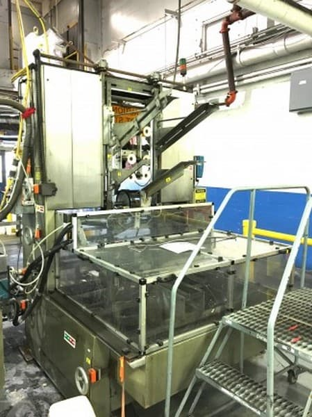 SWF Tray Former Model: TF600VK Serial: 6635, Nordson Glue System, Quick Change Machine, Compact Design, Vacuum Assist for Trays, Speeds up to 30 trays/minute, 9? min. to 23? max for length, 11 3/4? min. to 38? max for width, 2? min. to 10? max for height of erected trays, Good Condition, Last in Production June 2017, 220 Volts 3PH 60HZ (Located in North Carolina) ***FBEV***