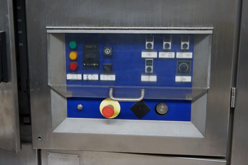 Tetra Pak TBA/21 Aseptic Brik 1500 (rough estimate for repairs cost 10K estimator : Tetra Pak Service) ,Y.O.M 1999,