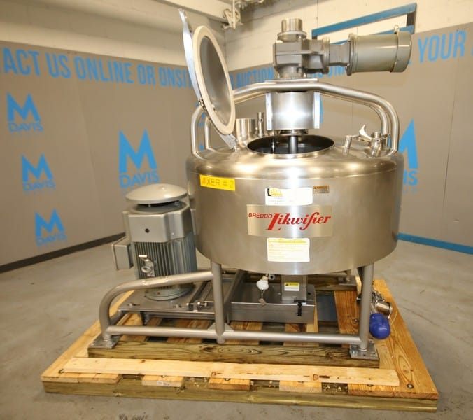 Breddo 100 Gal. Jacketed S/S Liquifier, ModelLORWWSSD, SN D-582104 14133, with Off-Set Motor, Bottom & Side Scrape Surface Agitator with 3 hp/1760 RPM, 230/460V 3 Phase, Jacket - 125 psi @ 400 Degrees, Includes Hinged Lid, Sprayball & Air Acuated Butterfly Valve (W356)