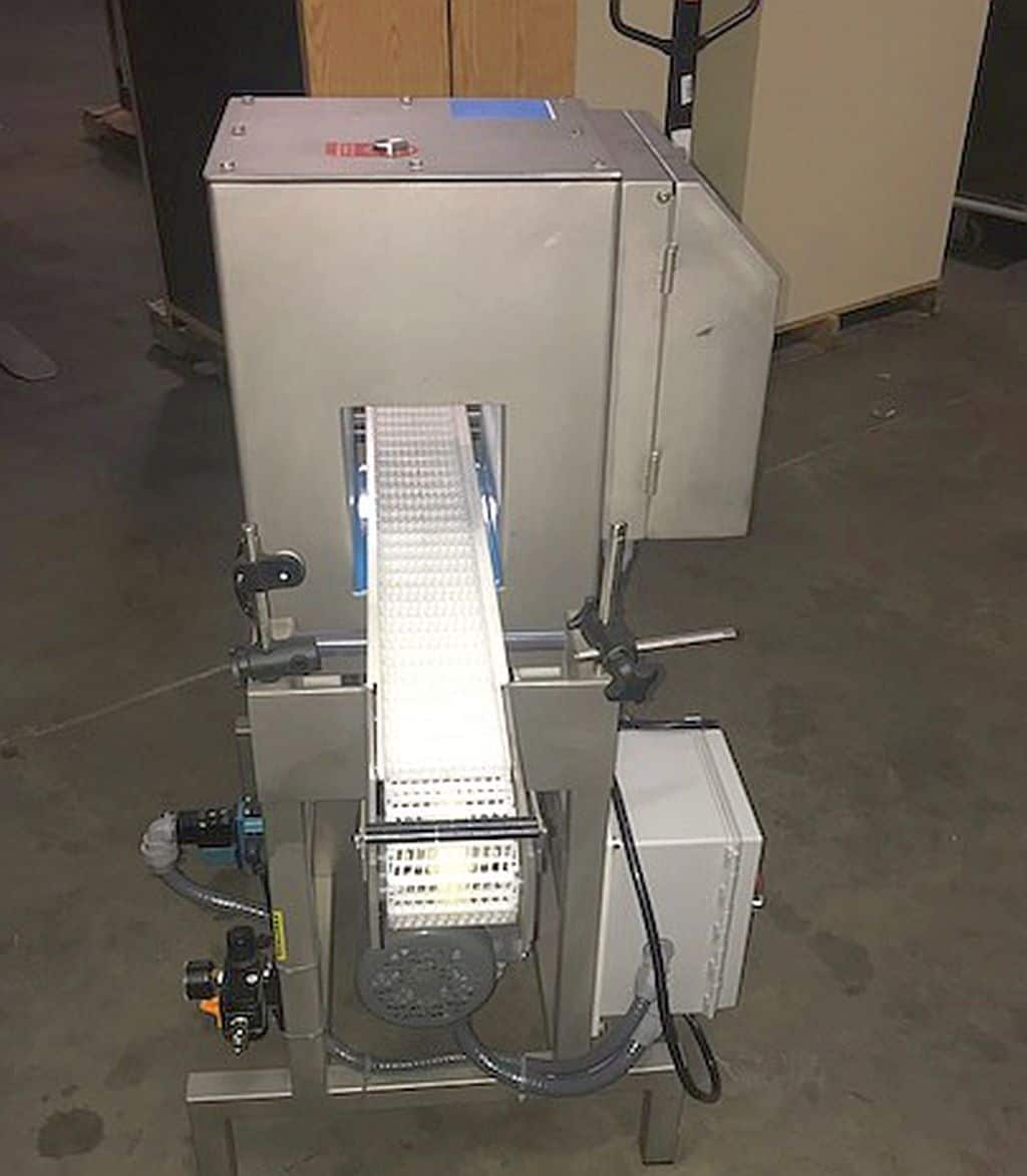 Loma Metal Detector, Model: IQ, Serial: KIMD12264, Unit comes with conveyor.  Conveyor is 50 inches long, 4 inches wide.  Pass through opening is 5 3/4 inches wide X 6 1/2 inches tall (Located in New York)***NYINC***