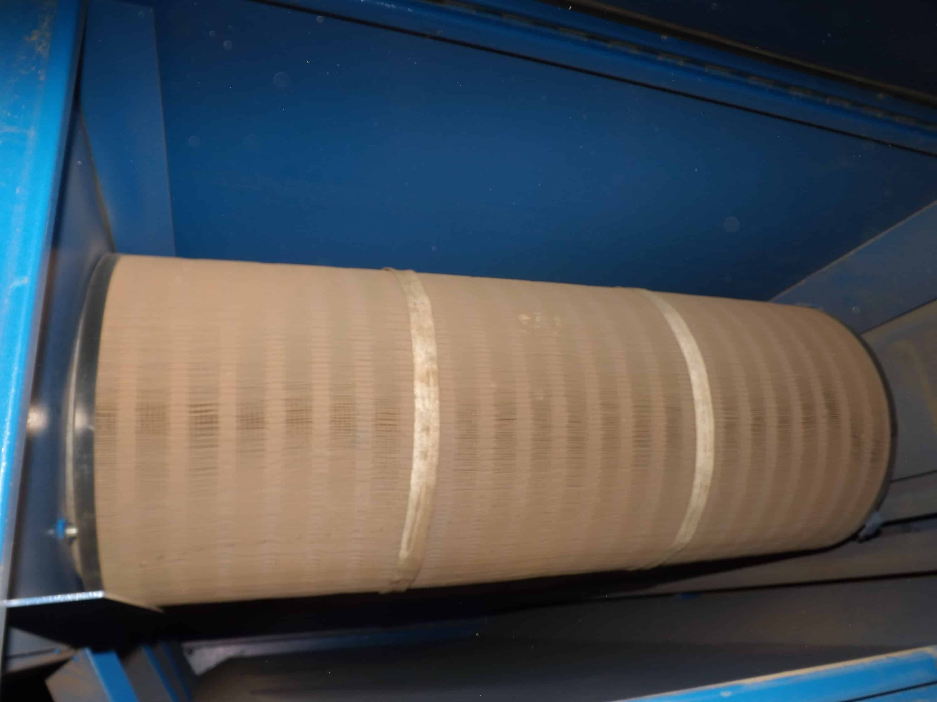 RoboVent Air Filter / Dust Collector, Model DWS-4000-4, S/N 20622, 7-1/2 HP, 3 Phase 460 Volt (Located in Pittsbugh, PA)***JPI***