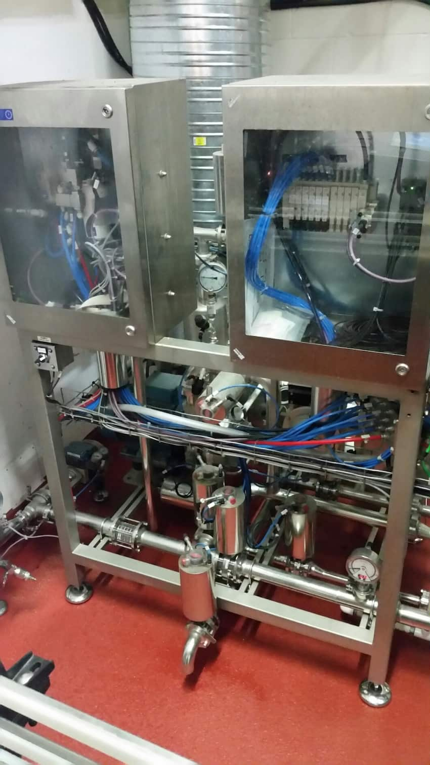 2014 Kosme Tri-Bloc 35-Valve Rotary Beer, Carbonated & Non-Carbonated Filler, Model Barifill G 1200-35-35-7, S/N F01828, 35-Station Bottle Rinser, Model Jetclean-1200-35-126, 7-Head Crown Cork Capper, Model Capper1-KK-240-7-108, Capable of 1,200 BPH Filling Speed, Previously Filling 341 ML @ 200 BPM & 650 ML @ 170 BPM with Long Neck Glass Bottles, Carbonation 5.5 G CO2/L, Fill Temp 2-4 Degrees C, Metal Crown Closure, Capable of Glass or Plastic Containers, 460 V / 265 V (Kosme Manual Available Upon Request)