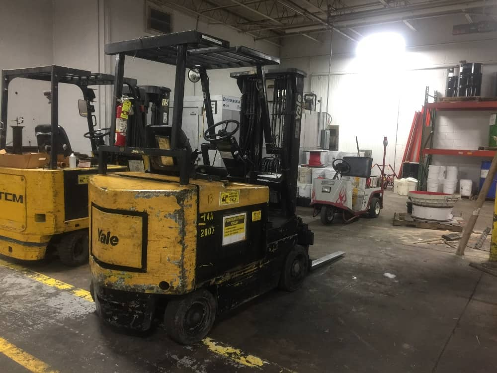 Yale Electric Sit Down Forklift truck, full control of forks, side shift forks gap and tilt control, fire extinguisher inspected through 2019.