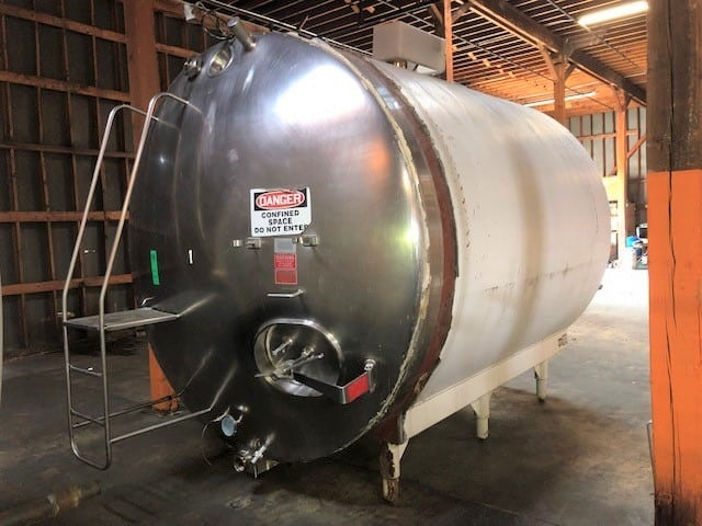 "Walker S/S 4,000 Gal. Horizontal Jacketed Tank, Model 10592, S/N HHT4885R, Area Sq. Ft. 84/R-12, Working Pressure 85 PSIG, Tested 145 PSIG, with Dual CIP Sprayball, Top Mounted Agitation, Overall DIMS 160""L x 136""H x 104""W"