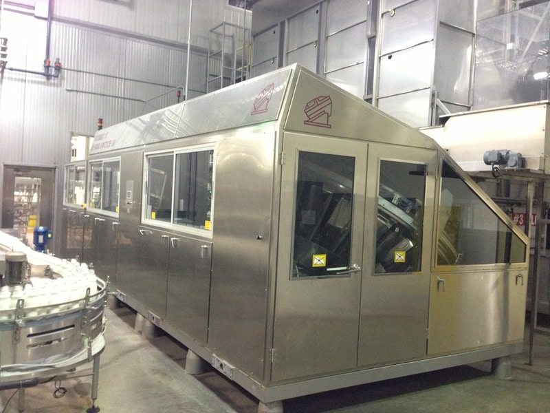 Posimat High Speed Compact Unscrambler, Year 2002, S/N 10321, Dual Chamber System, Last Ran 16oz and 32oz @ 650 BPM, 54 Pockets (28 per chamber) with Ptrans-Flex Conveyor, Machine Operation is to the Left, 300ft of Gebo Air Conveyor with control panel and incline hopper transfer from air conveyor to silo available, Excellent Condition, Dims: 20ft L x 9ft W x 8ft H, Speed: 16oz @ 650 BPM, Electricity: 460v 60hz 3ph
