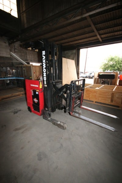 Raymond 4,500 lb. Stand-Up Electric Forklift, M/N EASI, S/N EZ-A-94-01363, with Side Shift, Tilt, Reach Attachment/Mast, with 36 Volt Battery (LOCATED IN FT. WORTH, TX)