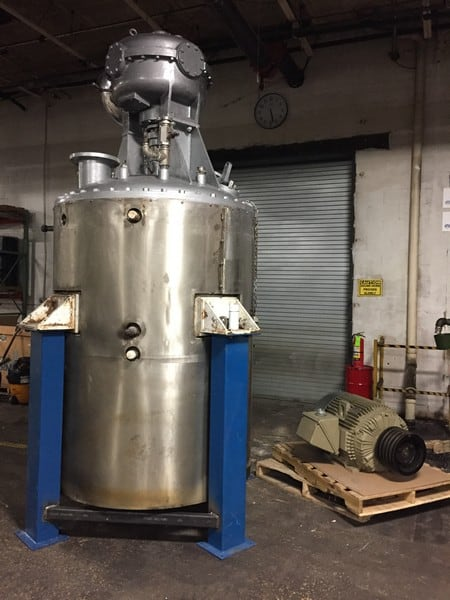 "Blow-Knox Stainless Steel Dual Motion, Dual Zone Jacketed Reactor, 1000-Gallon capacity with drive and motor.  Currently on four legs, with four 36"" legs currently removed. Total height 16 feet.  Jackets tested for pressure and vacuum. Operating temperature rating of 900F."