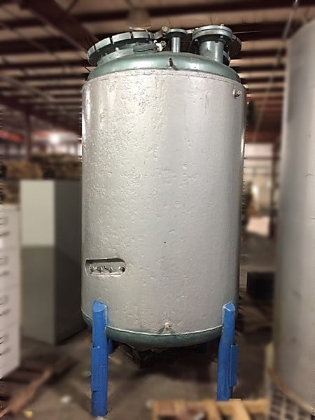 "Howard Corporation 500-Gallin Stainless Steel, mild steel Jacketed Reactor for pressure and vacuum.  Shell: Rated at 50PSI work pressure, 82PSI test pressure at 600F. Jacket rated at 19PSI work pressure and 31 PSI test pressure at 600F. 2ft Heavy Duty manhole cover 1"" thick with various openings on top and one 3"" opening at the bottom. Dished top and bottom."
