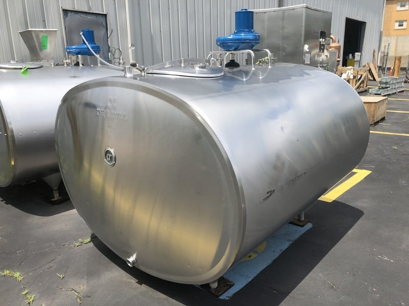 Alfa Laval 600 Gallon Jacketed S/S Bulk Cooler Farm Tank, S/N 71684, Model ET 600, Equipped with Top-Mount Prop Agitation, 100 Degree F (Located at M Davis Group Auction Showroom in Pittsburgh, PA) (Rigging & Handling Fee $200.00)