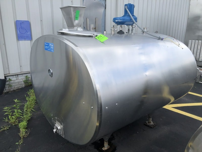 Alfa Laval 600 Gallon Jacketed S/S Bulk Cooler Farm Tank, S/N 82892, Model EC 600, Equipped with Top-Mount Prop Agitation, 100 Degree F (Located at M Davis Group Auction Showroom in Pittsburgh, PA) (Rigging & Handling Fee $200.00)