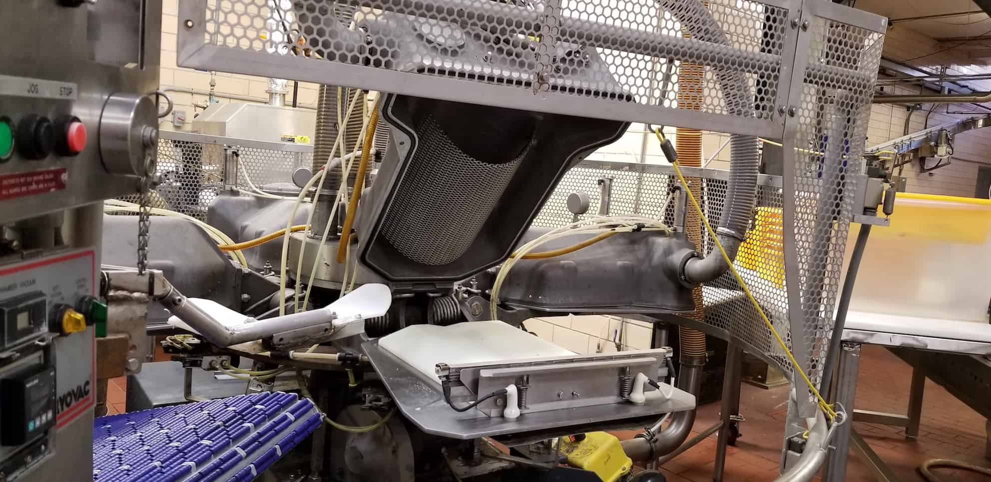 Old Rivers/Cryovac 4-Station Rotary Vacuum Packaging Machine, Model 8610-14, S/N 0724105, 460V 3 Phase, with Controls (Set up to do 5 7 10lb. Cheese), (Capable of Packaging 20lb. with New Plates-Not Included), (Vacuum Pump Not Included)