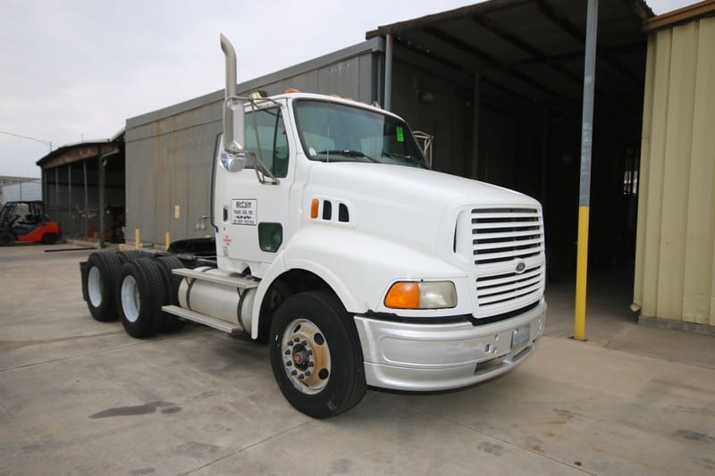 1997 Ford White Tractor, VIN #:   1FTYY96P6WVA24660, Front GAWR:  12,000 lbs., GVWR:  46,000 lbs., 283,146.4 Miles, Plate #:  CA 9A89588