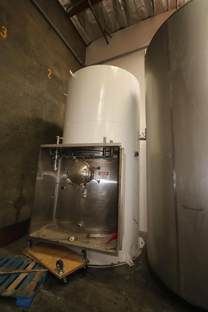 "CB Aprox. 5,000 Gal. S/S Jacketed Silo, S/N 87-E-310-1, with Alcove and Pressurized Door, (Painted Exterior), (96"" W x 176"" H)"