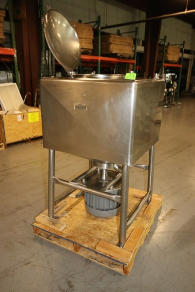 S/S Aprox. 100 Gallon Likwifier, with Bottom Mounted Motor, Mounted on S/S Legs with Hinge Lid
