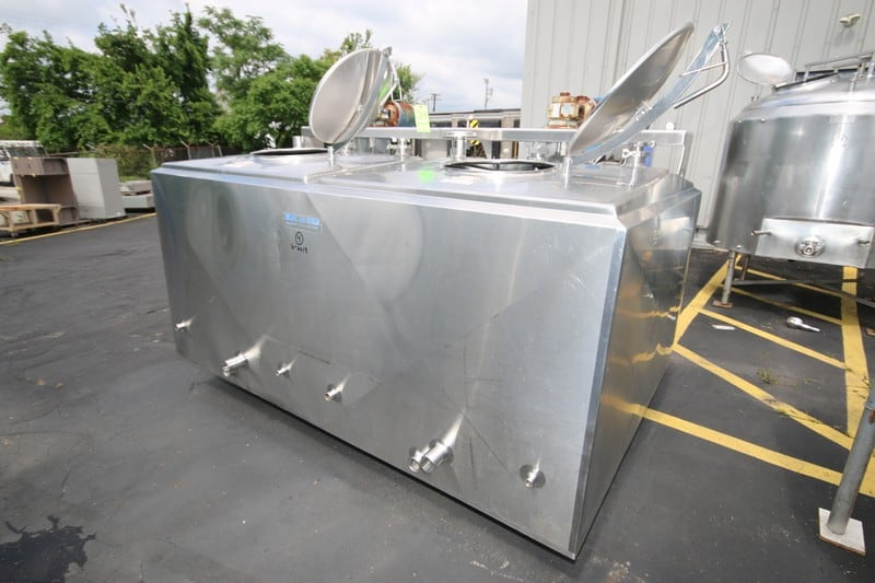 Mueller 2-Comparment 500 Gallon S/S Jacketed Flavor Tank, S/N 301421-1, with (2) Top Mounted Agitation Motors (Rigging & Loading Fee $175.00)(Located in Pittsburgh, PA)