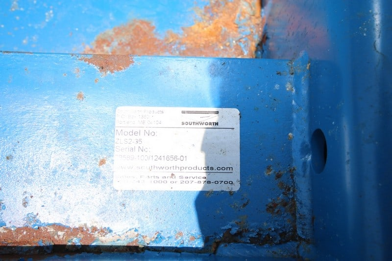 Southworth Pallet Lift, M/N ZLS2-35, S/N 78589-100/1241656-01, Internal Dims.: Aprox. 4' L x 4-1/2' W, with Hydraulic Motor (Rigging & Loading Fee $25.00) (Located in Pittsburgh, PA)