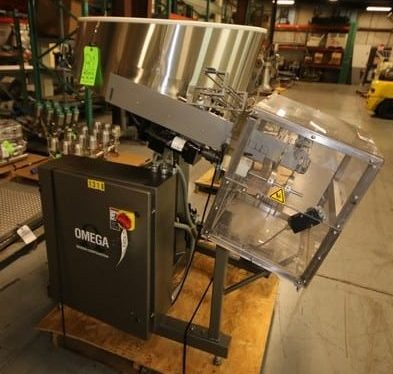 S/S Omega Unscrambler, M/N 3D-ST, S/N 04-J343000, with Allen Bradley MicroLogix 1000 Control in Mounted Control Panel (Rigging & Loading Fee $75.00) (Located in Pittsburgh, PA)