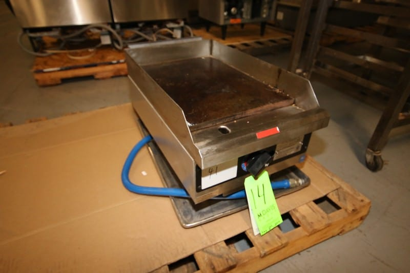 "Star Manuf. S/S Griddle, M/N 615TA, S/N 61502928, Griddle Dims.:  Aprox. 20-1/2"" L x 15"" W, BTU/HR, INPUT/BURNER 20000 (Rigging & Loading Fee $25.00)(Located in Pittsburgh, PA)"
