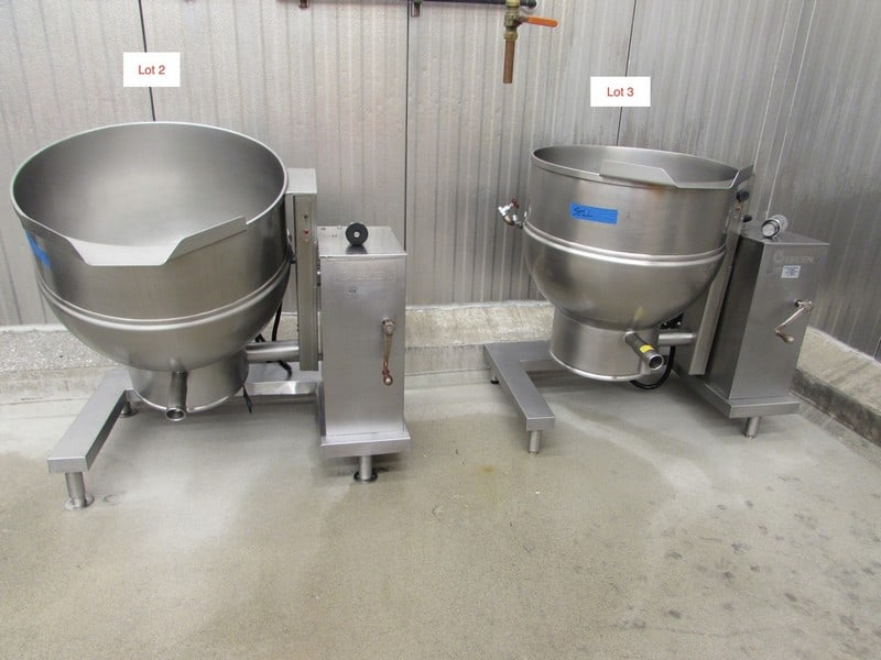 Groen Tilt Kettle, Model DEE/4T-60, S/N 37173, Jacketed Rated @ 50 PSI @ 300 Degree F (Asset No. 111)
