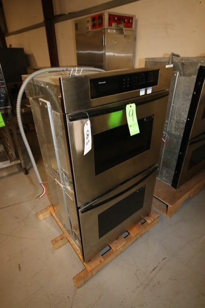 "Thermador Double Decker S/S Electric Oven, Overall Dims.:  Aprox. 23"" L x 30"" W x 52"" H (Rigging & Loading Fee $25.00)(Located in Pittsburgh, PA)"