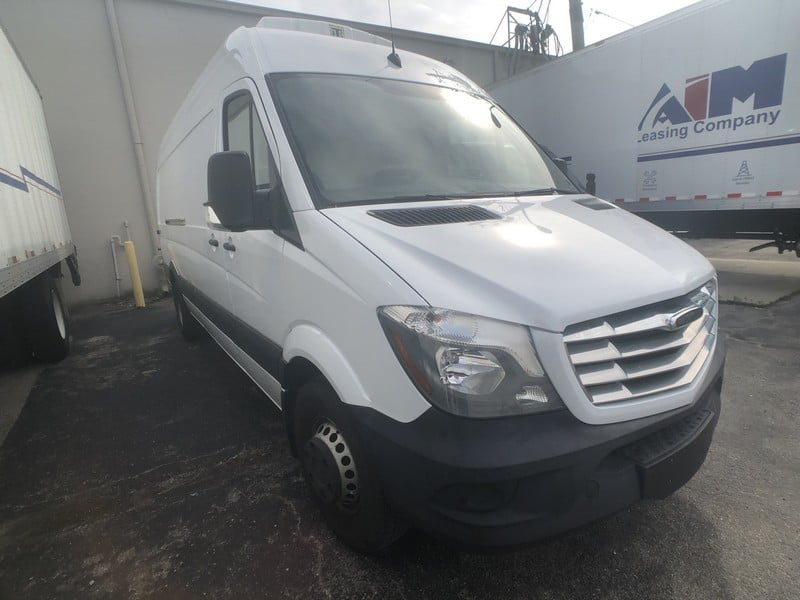 2015 Freightliner Refrigerated Box Truck, MFD: Daimler AG, 55,700 Miles, VIN: WDYPF4DC0GP190638