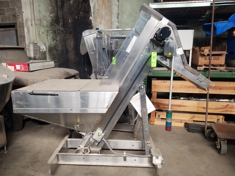 "Hoppmann S/S Prefeeder Incline Conveyor, M/N EP08/08, S/N 33244, with 8"" W Conveyor with Flights, Aprox. 42"" L x 24"" H S/S Hopper (LOCATED IN FT. WORTH, TX)"