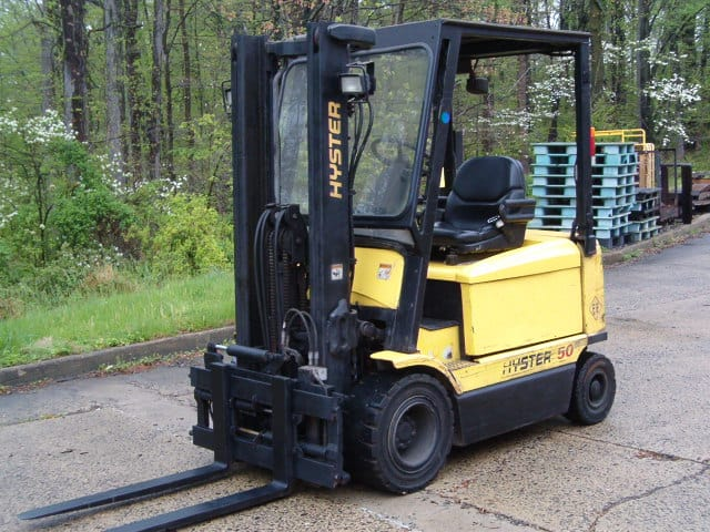 "Description: Hyster J50XM-28 / EE Sit Down Pneumatic Electric Fork Truck. Capacity: 5,000lbs, YOM: 2003, Mast: 83"" lowered/127"" maximum fork height Full Free Duplex, 48 Volt, Transmission: Monotrol Shifting Pedal, 42"" Forks, Tires: Pneumatic, EQUIPPED WITH: EE RATING, 4 Way Valve, Cascade 55F-FPS-A141 Side Shift and Fork Positioner, battery side covers, electronic dash display, lights, strobe, back up alarm, seat belt, tilt steering column, good premium seat, cab frame with front window and wiper, 50% Solid pneumatic tires, and 1112 hours. Battery info: Bulldog 24-85-21E, 48 Volt, Serial #1311W416. ***Not the correct size for this truck. Used only for moving the truck around*** ***Located in Warminster, PA***"