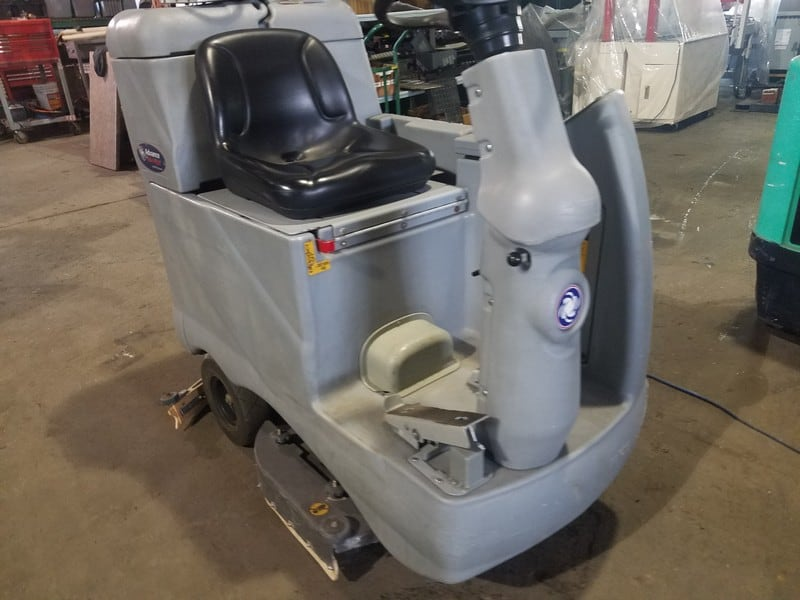Nilfish Advance Avenger 36 Volt Scrubber, M/N 2810D, S/N 1738487, with Charger, Runs, and Drives (LOCATED IN FT. WORTH, TX)