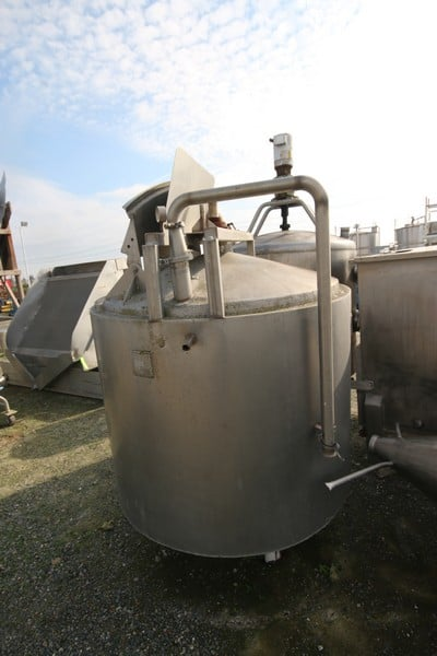 """Aprox. 300 Gal. S/S Vertical Processor, with S/S Screw Type Agitation with Motor, Tank Dims.: Aprox. 40"""" Tall x 48"""" Dia."""
