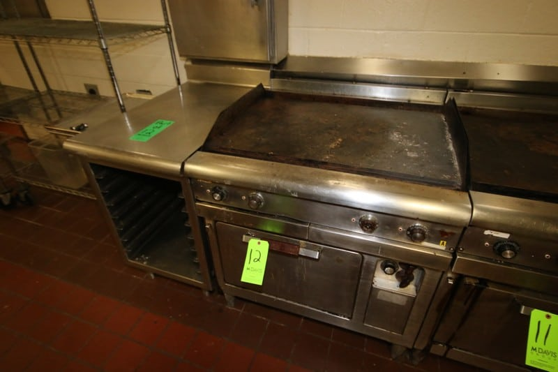 General Electric S/S Oven, M/N CR42C, S/N SCD6372, with Top Mounted Skillet, 197-219 AC Volts, with S/S Side Table with S/S Pan Inserts (LOCATED IN KITCHEN AREA)