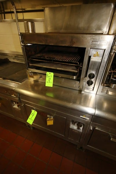 General Electric S/S Oven, M/N CN40, S/N RCM5394, with Top Mounted General Electric S/S Grill, S/N RCL7076, 220/240 Volts (LOCATED IN KITCHEN AREA)